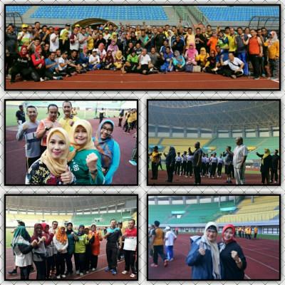 Senam Sparco Stadion Patriot Candrabaga Bersama Wali Kota Bekasi
