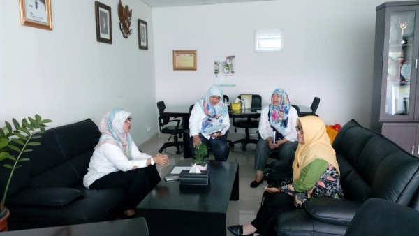 Rapat Dengan Ketua Pengurus P2TP2A Membahas Penanganan Kasus KDRT Pengelolaan Rumah Aman